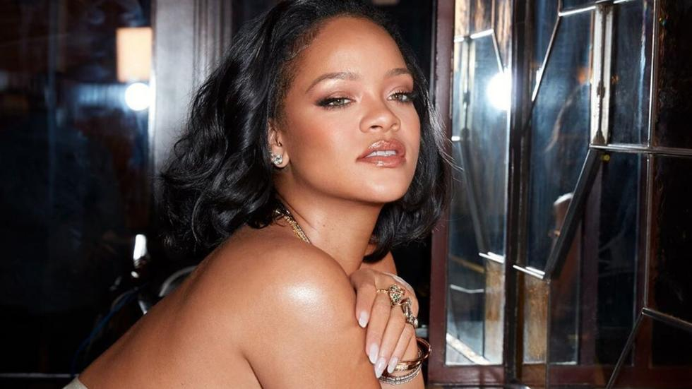 According to Rihanna, you've been contouring the wrong way