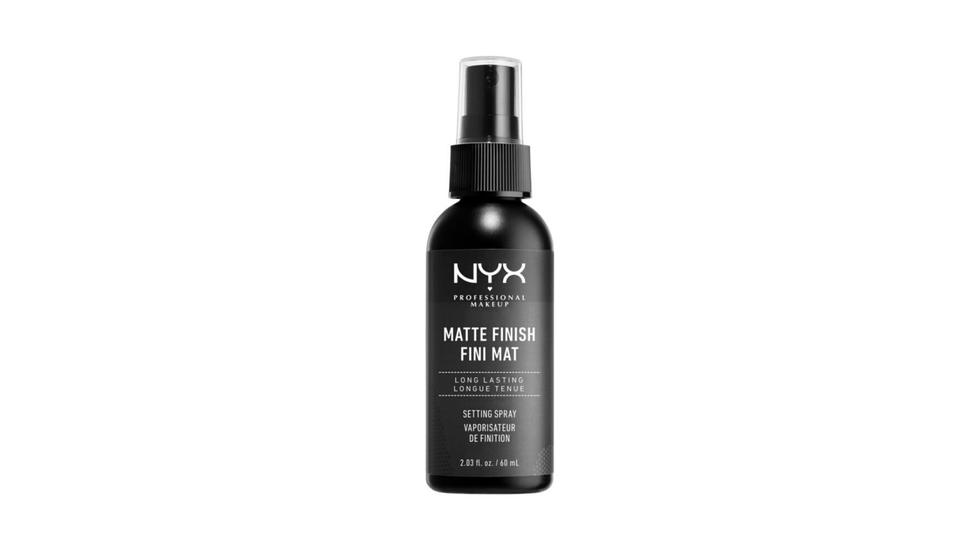 Best setting spray for all skin types, Huda Beauty Resting Boss Face, Mac Prep + Prime, Urban Decay All Nighter