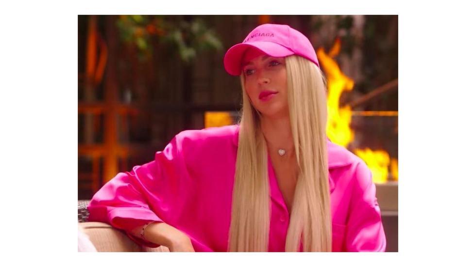 Selling sunset, Oppenheim, Christine Quinn, Christine Quinn Outfits, Christine Quinn Fashion, Christine Quinn Selling Sunset, Christine Selling Sunset